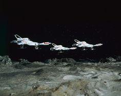 UFO tre INTERCETTORI sopra Moon Base Gerry Anderson show televisivo POSTER 24x36 | eBay