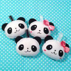 Kawaii panda keychain Tin Can Crafts, Felt Crafts, Panda Bebe, Panda Craft, Panda Party, Kawaii Diy, Kung Fu Panda, Felt Baby, Koalas