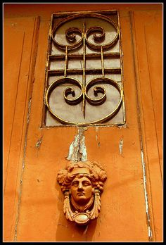 porta antiga / old door