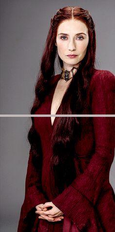 Melisandre (Carice van Houten), GoT Game Of Thrones Dress, Game Of Thrones Series, Game Of Thrones Party, Hbo Game Of Thrones, Got Costumes, Costume Ideas, Halloween Costumes, Game Of Trones, Iron Throne