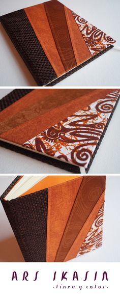 GEA - Libreta encuadernada a mano, obra de Silvana Verdini. ¡Un objeto único para explorar tus sueños!  Conoce nuestras cerámicas y encuadernaciones en: www.arsikasia.com  #Notebook #Orange #Fabrics