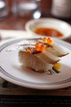 Sushi★ ♥ ♡༺✿ ☾♡ ♥ ♫ La-la-la Bonne vie ♪ ♥❀ ♢♦ ♡ ❊ ** Have a Nice Day! ** ❊ ღ‿ ❀♥ ~ Sun June 2015 ~ ❤♡༻ ☆༺❀ . My Sushi, Sushi Love, Sushi Art, Bento, Sushi Recipes, Asian Recipes, Sushi Comida, Japanese Food Sushi, Jai Faim