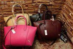 Fashion name brand bags.  My whatsapp:+86 13580337328, email:13580337328@163.com