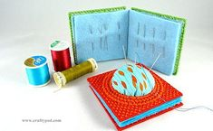 Plastic Canvas Needle Book with Built-In Pincushion - super handy! #craftypod