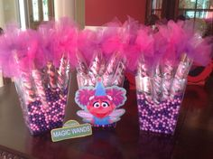 A customer shared her display of my custom Pretzel Rods for her daughters 1st birthday party!  The theme is Abby Cadabby and the Pretzel Rods are Magic Wands!  Love the display!  Thank you for Sharing!