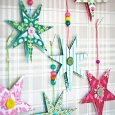 DIY paper stars. Tutorial in Swedish and English.