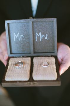 ring box mr. and mrs. so cute