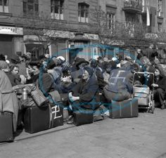 Expulsion of Germans from Prague (Germans with luggage waiting to depart). Prague, Strossmayer Square, May Women In History, Family History, Military Units, The Third Reich, Total War, Human Soul, Persecution, World War Ii, Wwii