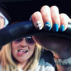 Cookie Monster gellish nail art