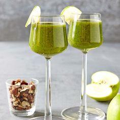 Vitaminrika frukter och spenat i en härligt nyttig drink.