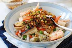 Món cơm hải sản có màu sắc thật đẹp mắt và hương vị thì thật tuyệt vời với vị ngọt đậm đà từ các loại hải sản và rau củ giúp món cơm trở nên lạ miệng hơn rất nhiều! #Foodgia