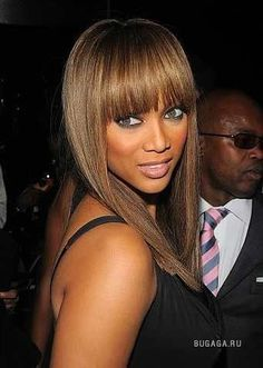 Can I get Tyra Banks' Hair Color if I'm brunet now? - If I'm not mistaken she has a bit greyish honey broun hair. Fringe Haircut, Fringe Hairstyles, Cool Hairstyles, Fringe Bangs, Blunt Fringe, Modern Hairstyles, Celebrity Hairstyles, Long Hair With Bangs, Haircuts With Bangs