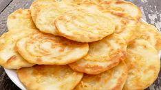 Sýrové placky z pánvičky připravené za 15 minut s úžasnou chutí! Zamiluje si je celá Vaše rodina! | Vychytávkov Cookie Recipes, Snack Recipes, Healthy Recipes, Snacks, Romanian Food, Cream Pie, Sweet Cakes, Cooking Time, Finger Foods