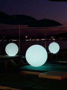 Fat Ball LED Lamp by Smart