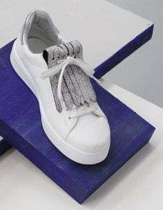 Aurélie Chadaine | with these stylish leather fringes you upgrade your shoes in a second.