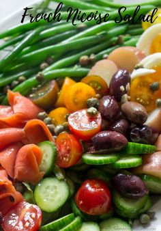 This French Nicoise Salad features crunchy green beans, smoked salmon, eggs, potatoes and zesty olives. All dressed in a simple olive oil anchovy vinaigrette. This nutritious summer salad can be enjoyed for dinner or as a side dish for entertaining. Smoked Salmon Breakfast, Smoked Salmon And Eggs, Smoked Salmon Sandwich, Smoked Salmon Pasta, Smoked Salmon Appetizer, Smoked Salmon Recipes, Salmon Eggs, Side Dishes For Salmon, Pasta Side Dishes