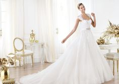 Pronovias ti presenta l'abito da sposa Leozza. Glamour 2014. | Pronovias