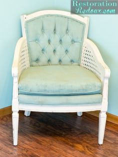 Caneback Chair Makeover (painted chair AND velvet fabric) Refinished Chairs, Refurbished Furniture, Repurposed Furniture, Vintage Furniture, Painted Furniture, Industrial Furniture, Chair Makeover, Furniture Makeover, Diy Furniture