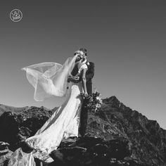 Beautiful Heli Wedding in Queenstown By Dan Childs at 222 Photographic Studios Wedding Kiss, Elope Wedding, Destination Wedding, Free Photography, Photography Services, Wedding Photography, Pre Wedding Photoshoot, Wedding Shoot, Engagement Couple