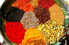 Bestemte krydderier kan sætte gang i dit stofskifte Natural Cancer Cures, Natural Cures, Cancer Fighting Foods, Cancer Foods, Coconut Health Benefits, Homemade Seasonings, Going Vegetarian, Healthy Oils, Seasoning Mixes