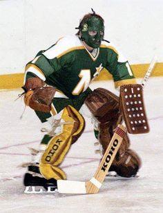 Minnisota North Star Markus Mattson. Hockey Goalie, Hockey Games, Hockey Players, Minnesota North Stars, Minnesota Wild, Goalie Mask, Vancouver Canucks, Star Wars, National Hockey League
