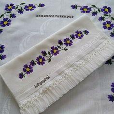 Hand Embroidery Patterns Flowers, Cross Stitch Designs, Wallpaper, Instagram, Cross Stitch Embroidery, Towels, Embroidered Towels, Hand Embroidery, Border Tiles