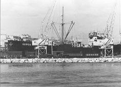 """Spain - 1936. - GC - Barco soviético """"Kypck"""" con material militar en el puerto de Alicante el 28 de diciembre de 1936"""