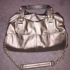 Gold Steve Madden Purse Pleasantly used Steve Madden Purse Clean inside with side pockets, it has a couple of places where the material is worn as shown in the picture GREAT BUY: Steve Madden Bags Shoulder Bags