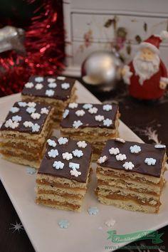 prajitura-caramel Romanian Desserts, Caramel, Gingerbread Cookies, Sweet Treats, Food, Pies, Bakken, Sticky Toffee, Gingerbread Cupcakes