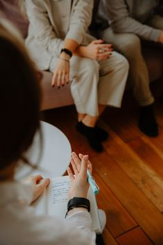 """What is a """"Day in the Life of Therapist"""" actually like? We're happy to tell you. And without a co-pay or appointment! Mental Health Retreat, Mental Health Services, Relationship Issues, Relationships, Behavioral Therapy, The Life, Dating Tips, Counseling, Psychology"""