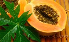 Papaya is one of the best fruits for skin care. Papaya cleanses and make skin to glow in a healthy way. There are much benefits of papaya for skin care. Papaya For Skin, Papaya Juice, Papaya Benefits, Health Benefits, Papaya Leaf Extract, Home Remedies, Natural Remedies, Can Dogs Eat Oranges, Alternative Medicine