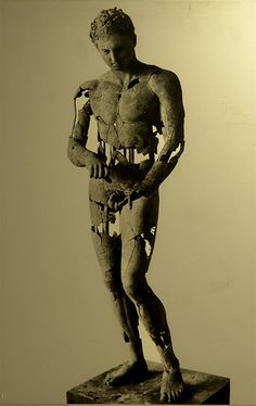 Apoxyomenos (athlete scraping his body with a strigil). Bronze. Roman copy of the bronze original by Polykleitos ca. 320 B.C. Inv. No. 129. Vienna, Ephesos Museum. (Photo by I. Sh.).