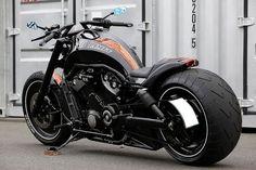 Custom V-ROD Motorcycle. http://www.motorbikesgallery.com