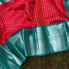 Kalpavruksh, mohiddin estate, near railway reservation counter, bandar road. Bridal Sarees South Indian, Wedding Silk Saree, Indian Bridal Outfits, Gold Silk Saree, Wedding Saree Blouse Designs, Pattu Saree Blouse Designs, Half Saree Designs, Kanjivaram Sarees Silk, Indian Silk Sarees