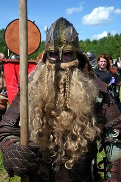 All things fantasy larp related Fantasy Heroes, Fantasy Figures, Medieval Art, Medieval Fantasy, Character Portraits, Character Art, Norse Clothing, Fantasy Dwarf, Ancient Armor