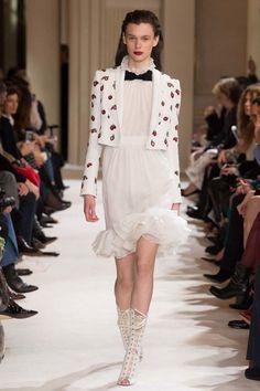 Giambattista Valli ready-to-wear autumn/winter '17/'18 - Vogue Australia