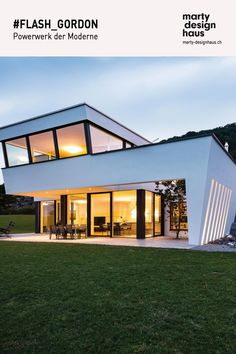 """#FLASH_GODRON ist eine Ikone mit Aus- und Durchblick. Seine """"offenen Wände"""" verschaffen dem geometrischen #Kunststück eine tolle Grosszügigkeit. Flash Gordon, Buy Pictures, Kirk Hammett, Marmaris, Cook, Mansions, Lifestyle, Architecture, House Styles"""