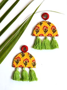 Best 11 Haseena Hand-embroidered Tassel Earrings – Krafted with Happiness – SkillOfKing. Diy Fabric Jewellery, Fabric Earrings, Tassel Jewelry, Textile Jewelry, Diy Earrings, Tassel Earrings, Indian Earrings, Handmade Jewelry Designs, Handmade Necklaces