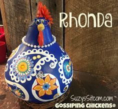 Cute chickens made from gourds!  Great gift idea!  This Etsy shop has some unique gifts!