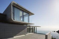 Ejemplo de Casa con Piscina y Vistas a la Bahía