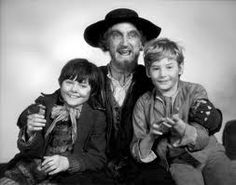 Mark Lester as Oliver Twist, Ron Moody as Fagin and Jack Wilde as Jack Dawkins known among his more 'intimate' friends as The Artful Dodger! Artful Dodger, Oliver Reed, Oliver Twist, Yesterday And Today, Classic Tv, Classic Films, Hollywood Actor, Great Movies, Awesome Movies