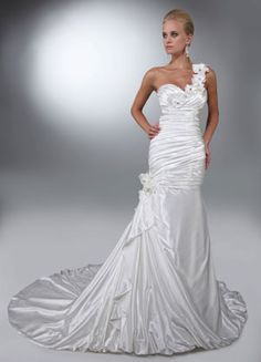 Da Vinci Wedding Gown ~ Flower Goddess Bride ( Amazing shape with corset back) ~ Lasting Impressions Sioux Falls, SD