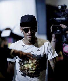FC Barcelona's Neymar, arrives for Xavi Hernandez's farewell event at the Camp Nou stadium in Barcelona, Spain, Wednesday, June Good Soccer Players, Football Players, Neymar Jr, Xavi Hernandez, Love You Babe, Camp Nou, Best Player, Fc Barcelona, Messi