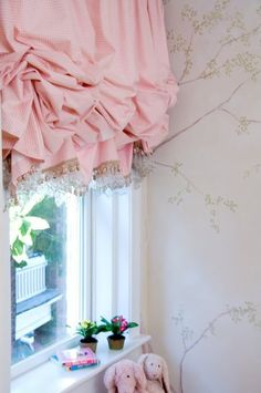 Chinoiserie Chic: The Balloon Shade  Need:   light weight fabric trim shirring tape wood mounting board to attach fabric  ~  Sew simple panel with trim (maybe 1.5x the width of window) ~  gather and staple to back of mounting board