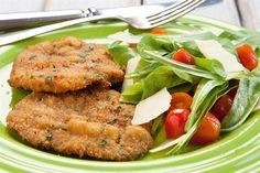Milanesas especiales - Las milanesas de siempre pero con el agregado de queso rallado junto con el pan. Un toque diferente