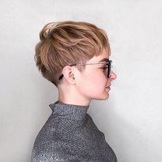 Very Short Choppy Cut For Girls frisuren frauen frisuren männer hair hair styles hair women Superkurzer Pixie, Shaggy Pixie Cuts, Short Pixie Haircuts, Short Hairstyles For Women, Hairstyles Haircuts, Choppy Cut, Layered Hairstyles, Hairstyle Short, Medium Hairstyles