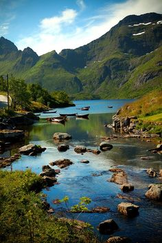 Ein wunderschön verwunschenes Plätzchen auf den Lofoten, Norwegen