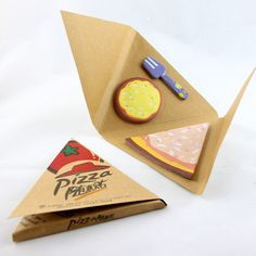 pizza sticky notes...whaaaa!? Stationary Store, Cute Stationary, School Stationery, Kawaii Stationery, Cool School Supplies, Office Supplies, Diy And Crafts, Paper Crafts, Too Cool For School