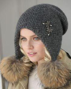 Crochet Baby Hats, Crochet Beanie, Knitted Hats, Knit Crochet, Fancy Hats, Cool Hats, Russian Hat, How To Make Purses, Flower Hats