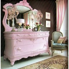 pink dresser- uhm, yes please!  Heidi's room needs this!
